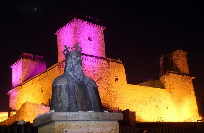 A diósgyőri vár az ország legnagyobb adventi koszorúja dcda8f44c9