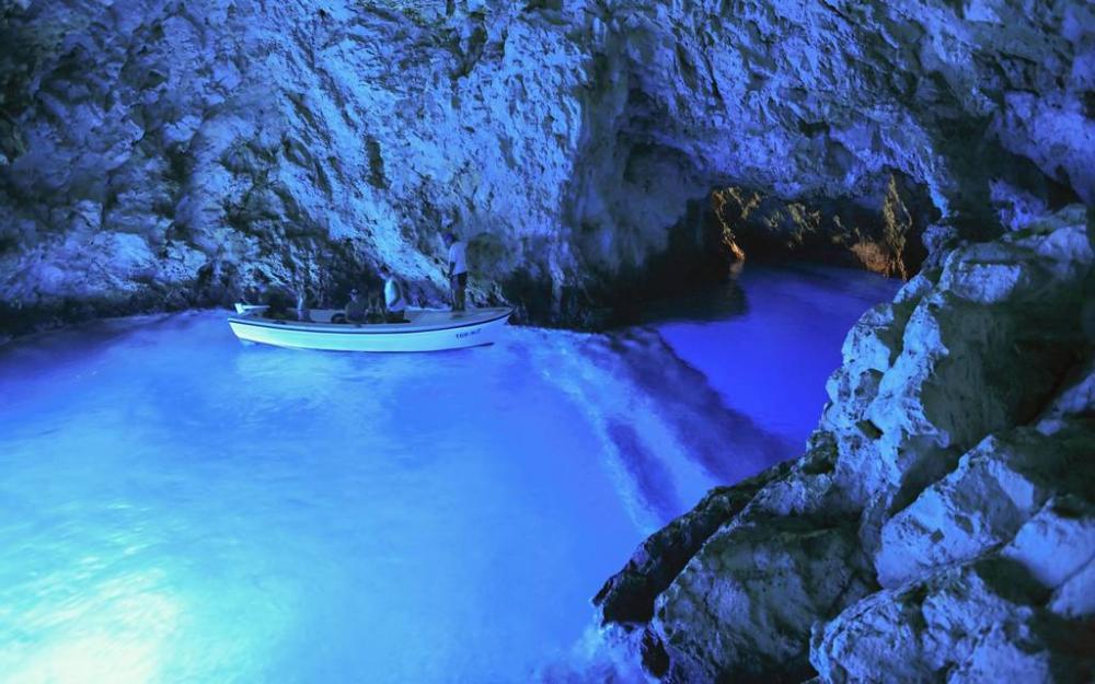 ... Az Adria lenyűgöző szépsége a Kék-barlang  7163. kép ... 64a325a8e8